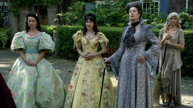File:Once Upon a Time - 6x03 - The Other Shoe - Invitation Arriving.jpg