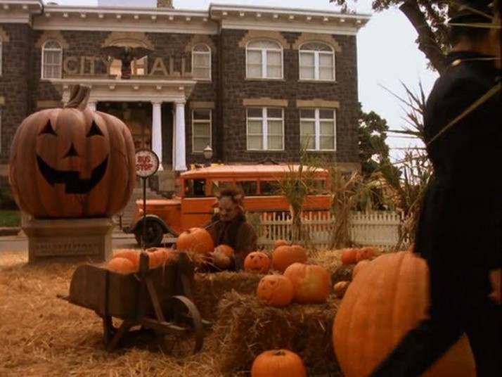 Halloweentown (place) | Disney Wiki | FANDOM powered by Wikia
