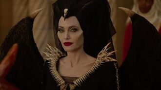 "Малефисента Владычица тьмы - ""Она легенда"""