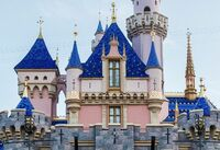 Disneyland-Castle-Blue-Roofs-Center