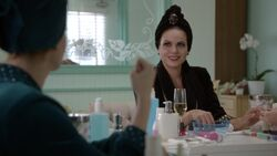 Once Upon a Time - 6x05 - Street Rats - Evil Queen in Spa