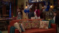Raven's Home - 1x04 - The Bearer of Dad News - Surprise Party