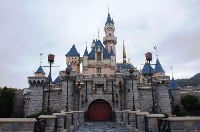 File:Sleeping Beauty Castle of Hong Kong Disneyland.jpg