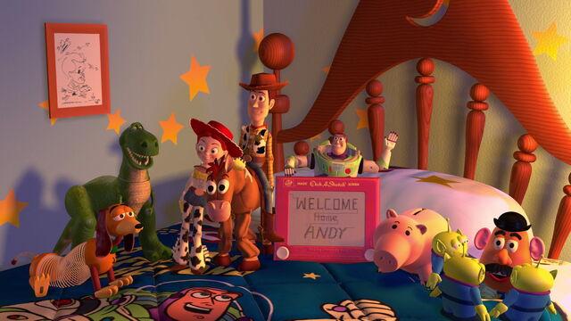 File:Toy-story2-disneyscreencaps.com-9695.jpg