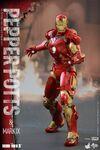 Iron Man Mark IX and Pepper Hot Toys 14