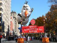 Macy's parade olaf