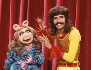 Doug Henning and Miss Piggy