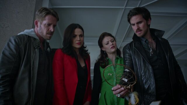 File:Once Upon a Time - 5x05 - Dreamcatcher - Dreamcatcher discovered.jpg