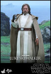 Hot-Toys-Star-Wars-The-Force-Awakens-Luke-Skywalker-Collectible-Figure