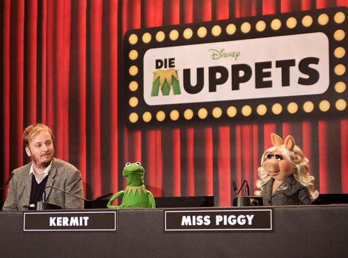 File:DieMuppets-GermanPremierePressConference-Berlin-(2012-01-18)08.jpg