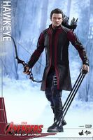 Hawkeye AOU Hot Toys 06
