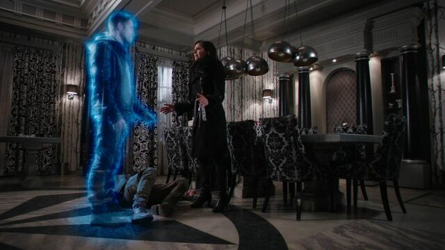 File:Once Upon a Time - 5x21 - Last Rites - Robin Ghost.jpg