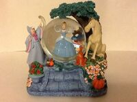 Disney Cinderella's Musical Gown Waterglobe