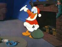 Donald as Santa (1)