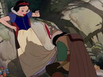 Snow-white-disneyscreencaps.com-816