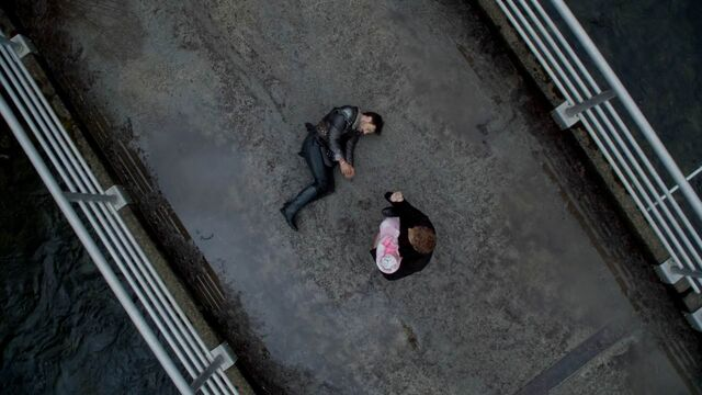 File:Once Upon a Time - 5x21 - Last Rites - Dead Arthur.jpg