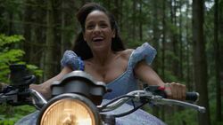 Once Upon a Time - 7x01 - Hyperion Heights - Cinderella Motorbiking