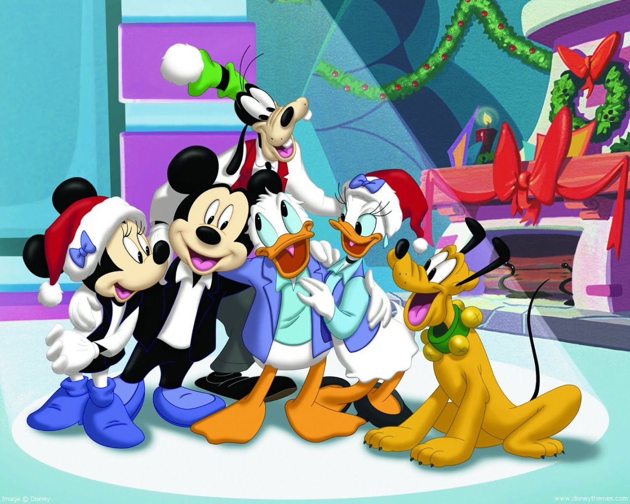 mickeys magical christmas snowed in at the house of mouse is a direct to video movie spin off from the animated television series house of mouse - Mickey Magical Christmas