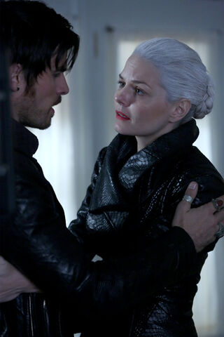 File:Once Upon a Time - 5x08 - Birth - Released Image - Hook and Dawk Swan 3.jpg