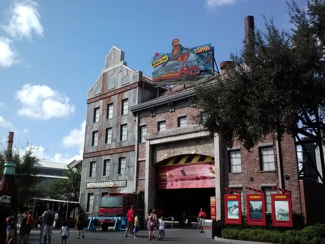 File:Studio Backlot Tour marquee and entrance.jpg
