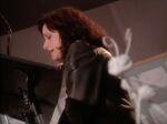 Julia Louis Dreyfus behind the scenes of abl