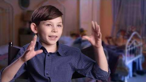 """MARY POPPINS RETURNS """"John Banks"""" Behind The Scenes Interview - Nathanael Saleh"""