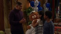 Raven's Home - 1x04 - The Bearer of Dad News - Devon, Nia and Booker