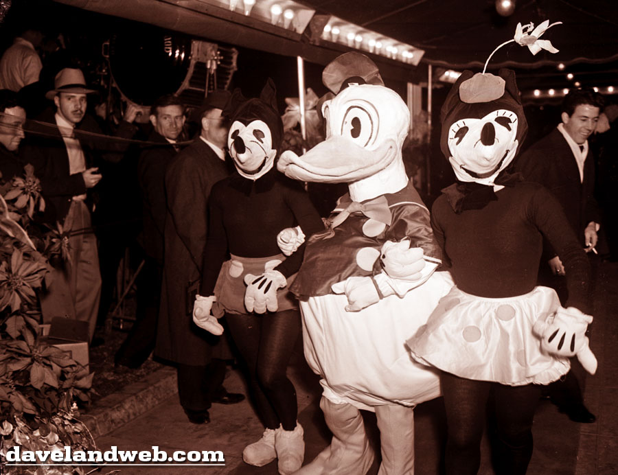 December 21 1937 The Mickey and Minnie costumes ...  sc 1 st  Disney Wiki - Fandom & Mickey and Minnie Costumes Through the Years | Disney Wiki | FANDOM ...