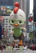 Macy Annual Thanksgiving Parade Winds Through PfZ9AN-BYDdl