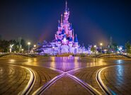 Night-shallow-chateau-de-la-belle-au-bois-dormant-disneyland-paris-e1524049985864