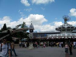 Star Tours at Disneyland Paris