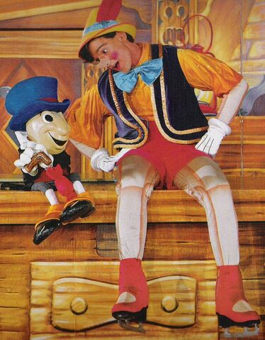 File:PinocchioAndJiminyInDisneyOnIce.jpg