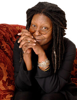1347483562 whoopi-goldberg-560