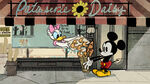 Daisy-Duck-and-Mickey-Mouse-in-Croissant-de-Triomphe