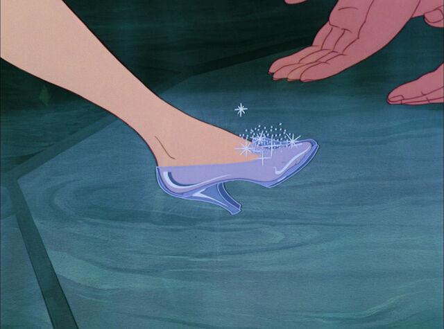 File:Cinderella-disneyscreencaps.com-8548.jpg