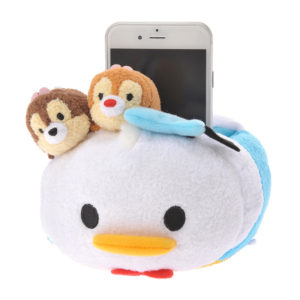 File:Donald with Chip and Dale Tsum Tsum Phone Stand.jpg