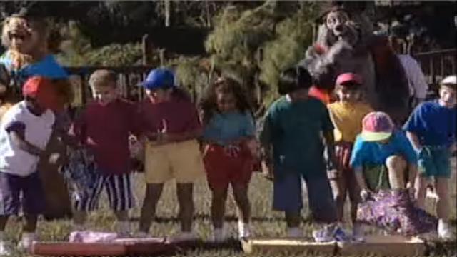 File:Kids during picnic games.png