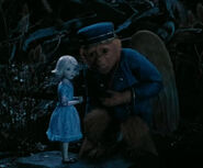 Zach Braff and Joey King - Movie Surfers Oz The Great and Powerful Disney Video - Mozilla Firefox 3142013 21522 PM.bmp