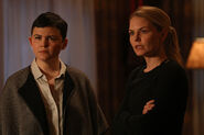 Once Upon a Time - 6x16 - Mother's Little Helper - Photography - Snow and Emma