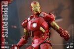 Iron Man Mark IX and Pepper Hot Toys 10