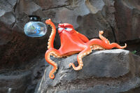 Hank cave tokyo Disneysea