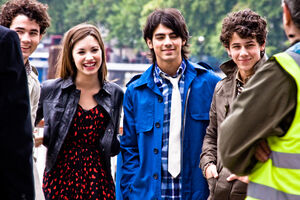 Jonas Brothers e Demi Lovato