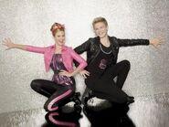 Gunther-and-Tinka-shake-it-up-18376220-400-300