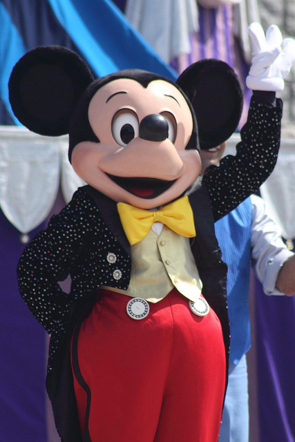 Mickey and Minnie Costumes Through the Years | Disney Wiki | FANDOM powered by Wikia & Mickey and Minnie Costumes Through the Years | Disney Wiki | FANDOM ...