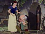 Snow-white-disneyscreencaps.com-7778