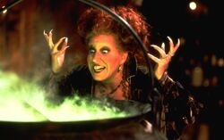 Disney-Magic Object Winifred Hocus-Pocus-1-