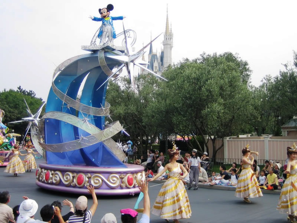 disney s dreams on parade moving on disney wiki fandom powered