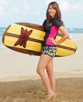 McKenzie surfera