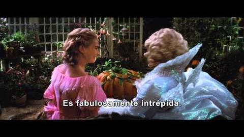 La Cenicienta- Helena Bonham Carter (El Hada Madrina)