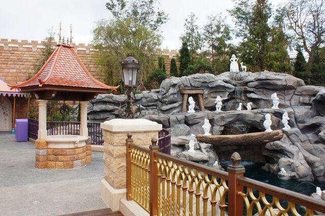 File:Snow White's Grotto at Hong Kong Disneyland.jpg